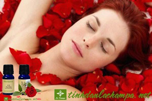 Công dụng làm đẹp của tinh dầu hoa hồng nguyên chất