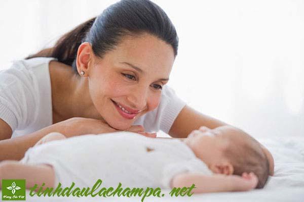 Chăm sóc trẻ sơ sinh với tinh dầu thiên nhiên