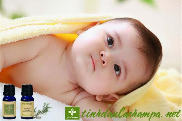 Trị đau bụng và cảm sốt cho bé với tinh dầu thiên nhiên